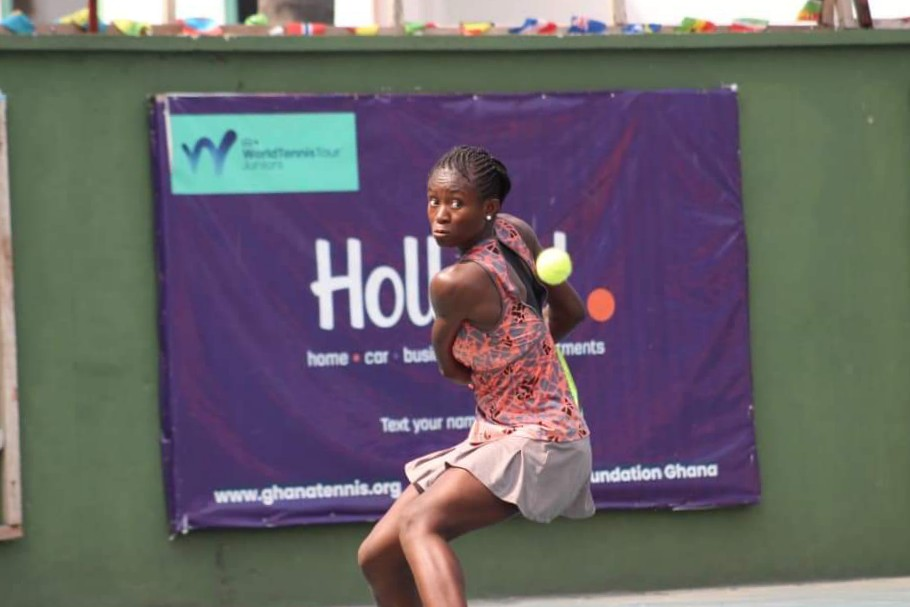 Superb Edwards powers into semifinals in Lome
